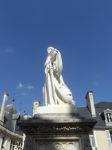 1. Bourges (18)