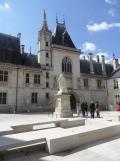 3. Le Palais Jacques-Cœur (1)