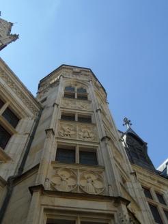 3. Le Palais Jacques-Cœur (25)
