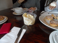 3. Cream tea time ! (5)