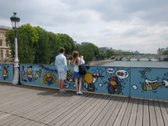 Love-locks bridge (38)