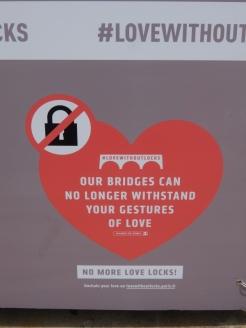 Love-locks bridge (63)