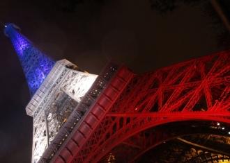 Paris-(France)-La-Tour-Eiffel-maxresdefault